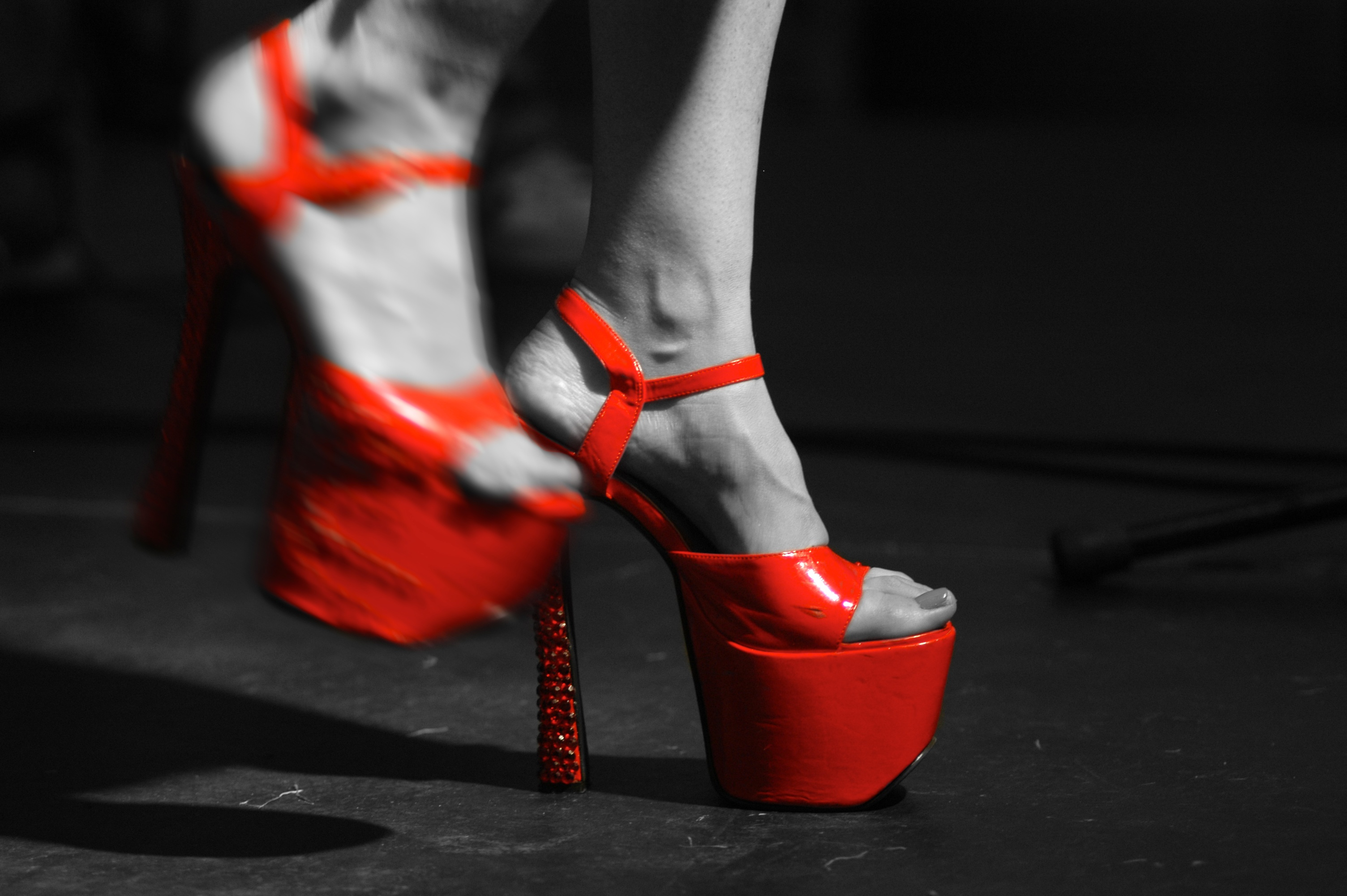 Live: Killer Heels shoes © Dave Arcari